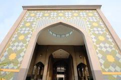 Huvudsaklig ingång av Sultan Abdul Samad Mosque (KLIA-moskén) Arkivbild