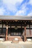 Huvudsaklig korridor av den Ninna jien i Kyoto Royaltyfri Bild