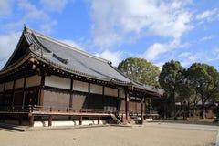 Huvudsaklig korridor av den Ninna jien i Kyoto arkivbilder