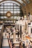 Huvudsaklig korridor av den Orsay museumMusee D `en Orsay france paris Arkivfoton