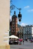 Huvudsaklig marknadsfyrkant, Cracow, Polen arkivbilder