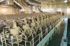Huvudsaklig motor av ett stort skepp royaltyfri foto