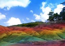 Huvudsaklig sikt av Mauritius Chamarel- sju färgländer i en solig dag Royaltyfri Foto