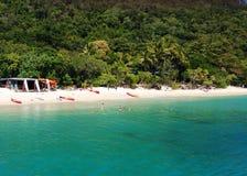 Huvudsaklig strand för Fitzroy ö Royaltyfria Bilder