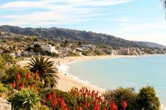 Huvudsaklig strand i Laguna Beach, sydliga Kalifornien Arkivbilder