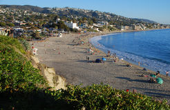 Huvudsaklig strand i sena November på Laguna Beach, CA Royaltyfria Bilder