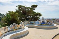 Huvudsaklig terrass på Parc Guell i Barcelona, Spanien Royaltyfria Bilder