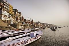 Huvudsakliga Ghat i Varanasi Royaltyfri Bild