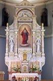 Huvudsakligt altare i basilika av den sakrala hjärtan av Jesus i Zagreb royaltyfri foto