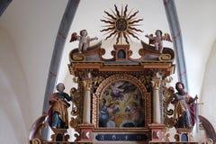 Huvudsakligt altare i kapellet av St Wolfgang i Vukovoj, Kroatien arkivfoton