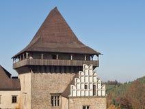 Huvudsakligt torn som namnges Samson av den gotiska zavouen för stilslottLipnice nad SÃ ¡ i Tjeckien Fotografering för Bildbyråer