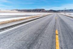 Huvudväg 50, den mest ensamma vägen i Amerika Arkivbild