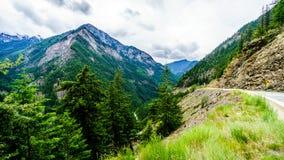 Huvudväg 99, Duffy Lake Road i British Columbia Royaltyfri Fotografi
