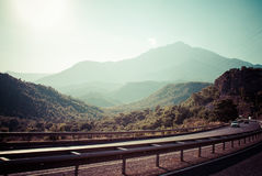 Huvudväg i bergen Fotografering för Bildbyråer