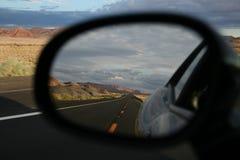 Huvudväg I89 i Arizona i min spegel Arkivfoton