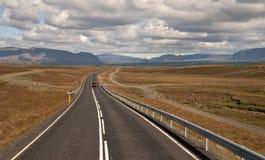 Huvudväg i Reykjavik, Island Arkivfoto