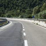 Huvudväg i Tuscany fotografering för bildbyråer