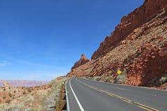 Huvudväg 89 nära bittra vårar Royaltyfri Foto