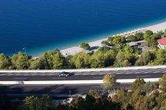 huvudväg och hav under Royaltyfri Fotografi