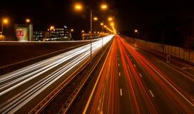 Huvudväg på natten Royaltyfria Foton