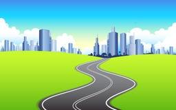 Huvudväg som går till staden Arkivbilder