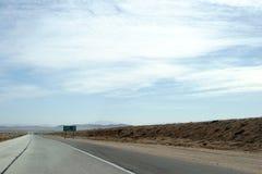 Huvudväg till Barstow Arkivfoto