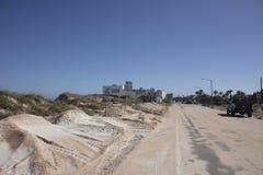A1A-huvudväg till Marineland efter orkanen Matthew Arkivbild