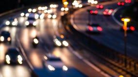 Huvudväg vid natt royaltyfri bild