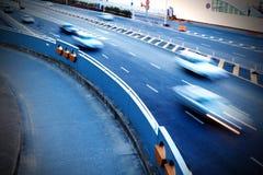 Huvudvägar och bilar Royaltyfria Bilder