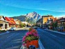 Huvudvägen Banff, Alberta Royaltyfria Bilder