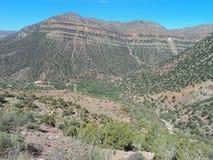 Huvudvägen i berg fotografering för bildbyråer