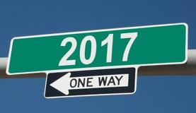 Huvudvägtecken för 2017 EN VÄG royaltyfria bilder