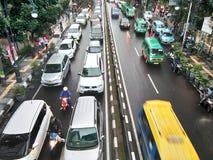 Huvudvägtrafikstockning på den bandung staden Royaltyfria Bilder