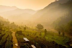Huwas-Tal Nepal bei Sonnenaufgang stockbild