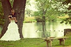 Huwelijk bij park Royalty-vrije Stock Foto