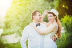 Huwelijk bij zonsondergang Stock Fotografie