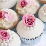 Huwelijk cupcakes stock fotografie