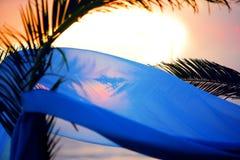 Huwelijk dat bij het strand wordt geplaatst Stock Foto's