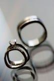 Huwelijk en Verlovingsring Stock Foto's