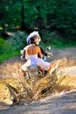 Huwelijk op de motorfiets royalty-vrije stock fotografie