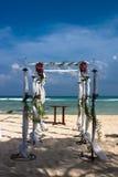 Huwelijk op het strand Royalty-vrije Stock Afbeeldingen