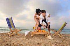 Huwelijk op strand stock foto's