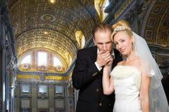 Huwelijk in St Peter Basiliek in Rome, Vatikaan Stock Fotografie