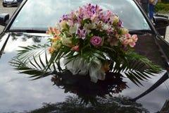 Huwelijksauto boucuet stock foto's