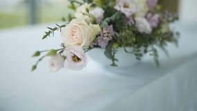 Huwelijksboeket - huwelijksvoorbereidingen stock video