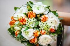 Huwelijksboeket met Gevoelige Pioenen en Rozen Royalty-vrije Stock Afbeeldingen
