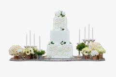 Huwelijkscake en decoratie Royalty-vrije Stock Fotografie
