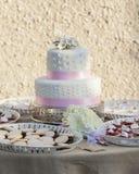 Huwelijkscake op twee niveaus Stock Fotografie