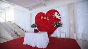 Huwelijksdecor bij het banket stock video
