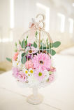 Huwelijksdecoratie bij restaurant met alle schoonheid en bloemen Royalty-vrije Stock Afbeeldingen